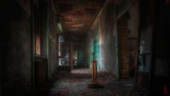 Abandoned house 1.9.4